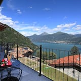 Family Villa, Multiple Beds, 2 Bathrooms, Garden Area (Villa Aurelia) - Balcony
