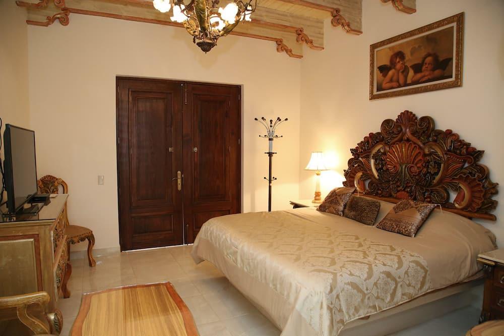 Huone, Kylpytynnyri (VIP 2 Barroco) - Vierashuone