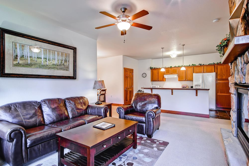 Appartamento, Letti multipli (Black Canyon Inn Unit F2) - Soggiorno