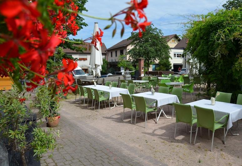 Gasthof Zur Traube, Bühl, Courtyard