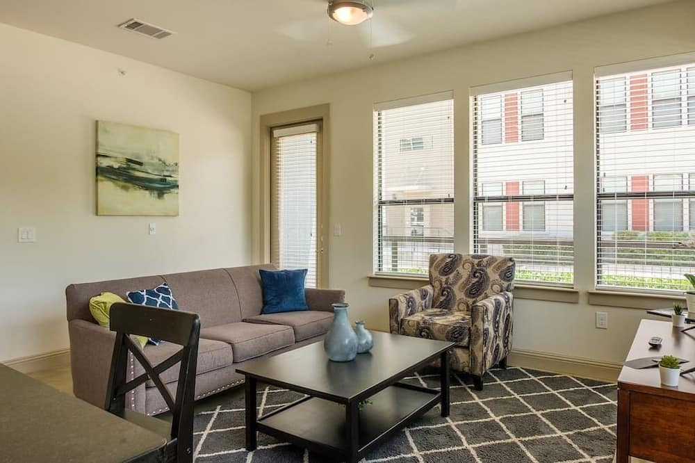 Frontdesk | 7606 Eastern Ave Greenway Park Apts Dallas