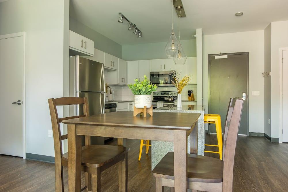 Comfort Apartment (2 Bedrooms) - In-Room Dining
