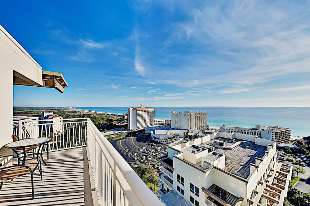 Penthouse With Gulf Views - 2 Bedroom Condo