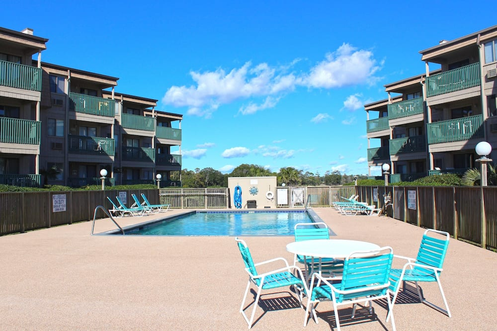 Condo, Multiple Beds (Great Views of the Beach! ) - Pool