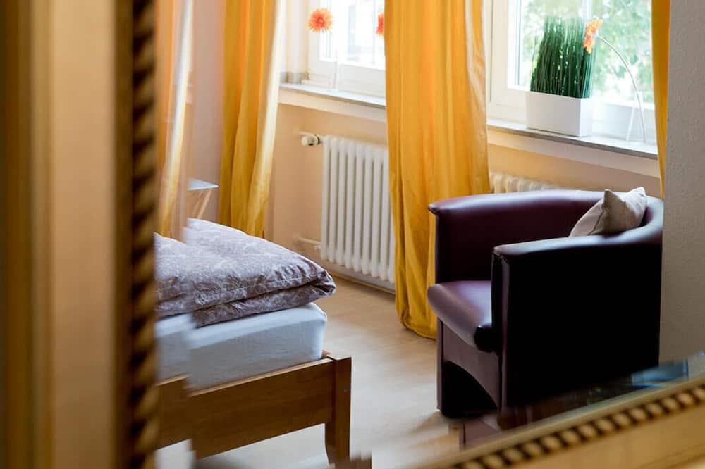Standard-Apartment, eigenes Bad - Zimmer
