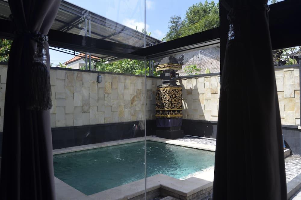 فيلا عائلية - غرفتا نوم - حوض سباحة خاص