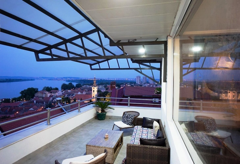 Villa Tower Gardos, بيلغراد, شقة فاخرة, تِراس/ فناء مرصوف