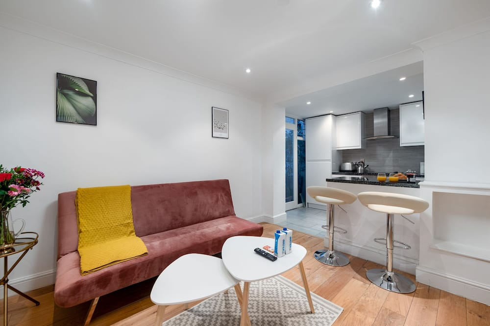 Two Bedroom Apartment with Roof Terrace - Dzīvojamā zona