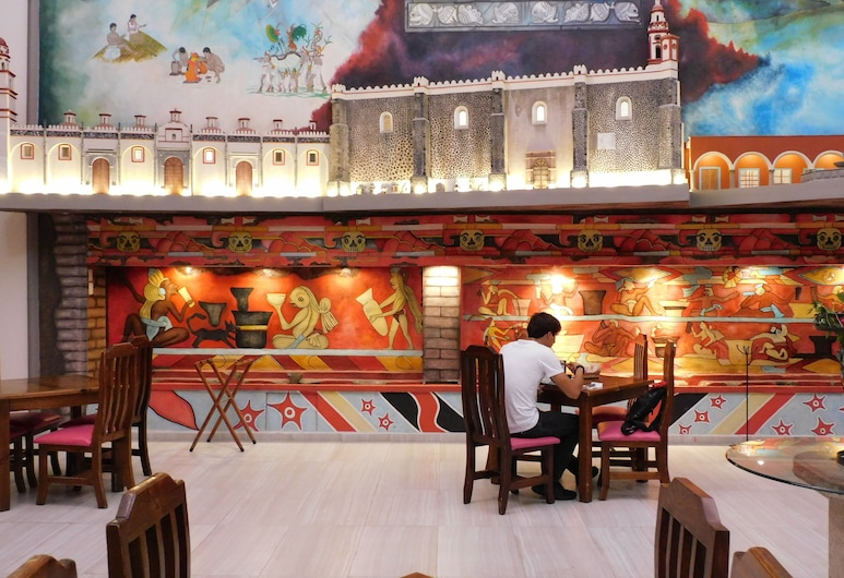 Hotel Santa Rosa By Rotamundos, 聖佩德羅喬盧拉, 餐廳