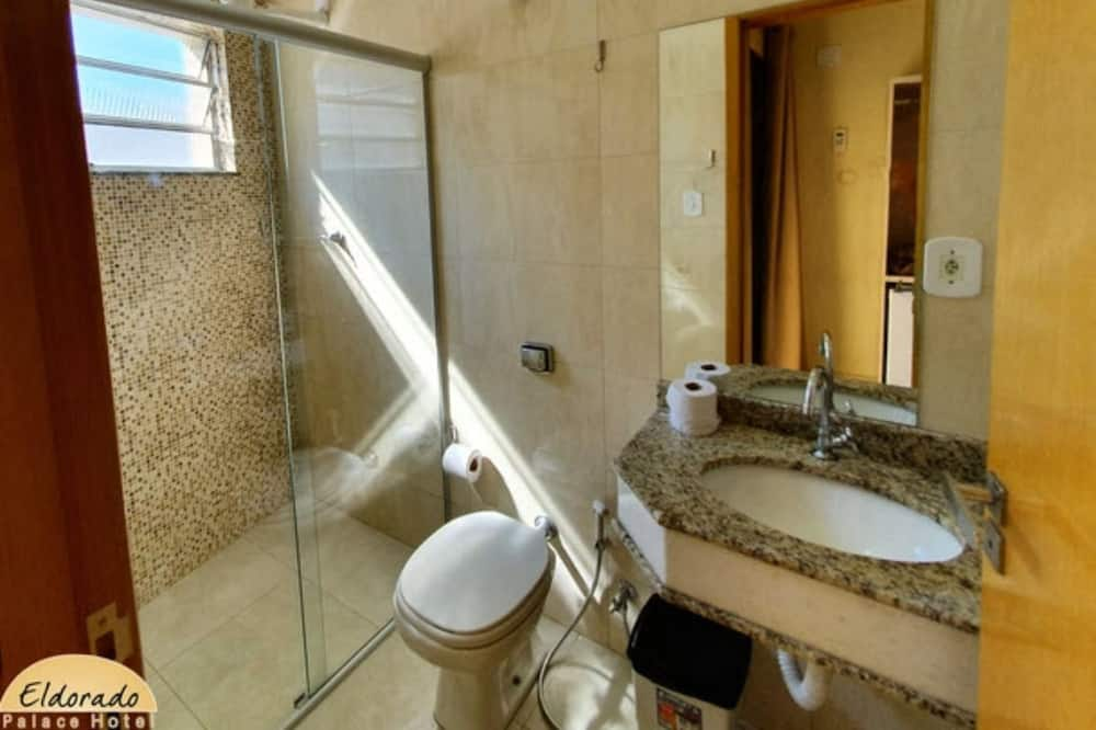 Quadruple Room - Bathroom