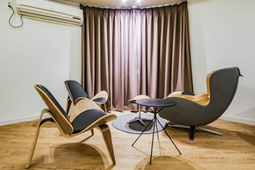 VIP - Living Area