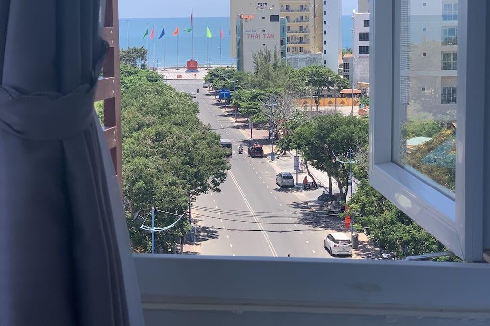 Deluxe-Vierbettzimmer - Blick auf die Straße