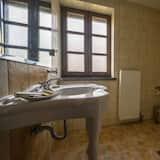Superior-Doppel- oder -Zweibettzimmer, Kamin, Bergblick - Badezimmer