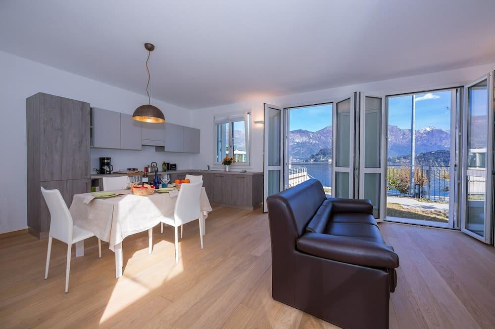 Familienapartment, Mehrere Betten, zum Garten hin (Griante Le Maioliche Apt. 01) - Wohnbereich