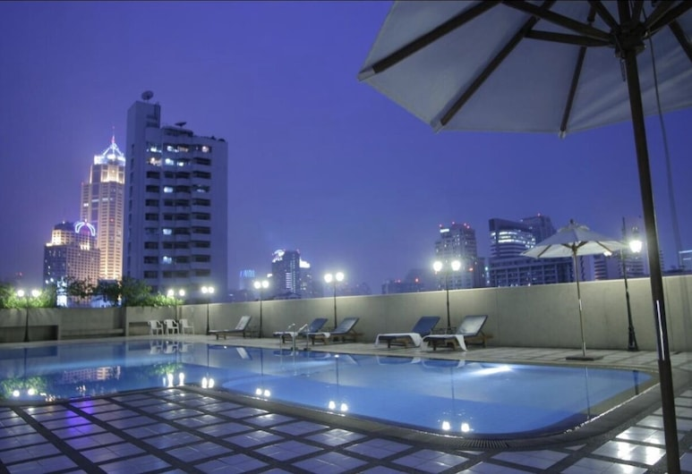 ONE Bedroom 25 Floor With TWO Balcony ,pool,gym AND Near BTS, Bankokas