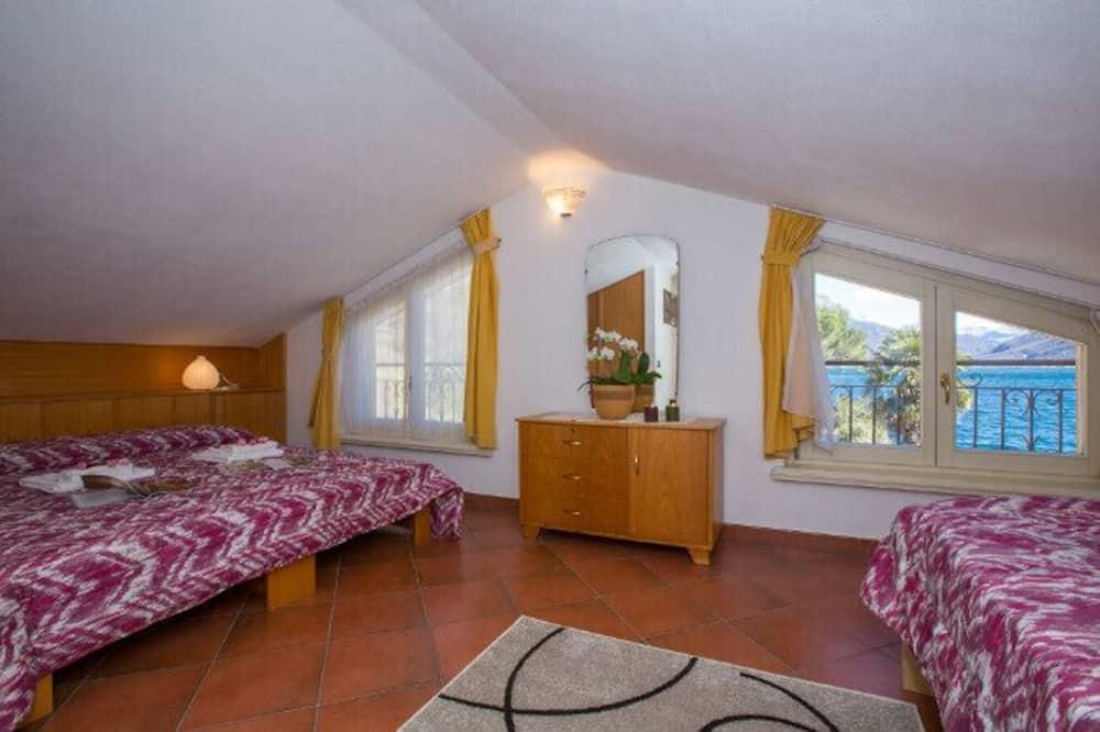Family Townhome, Multiple Beds, 2 Bathrooms, Garden Area (Cima La Spiaggetta) - Room