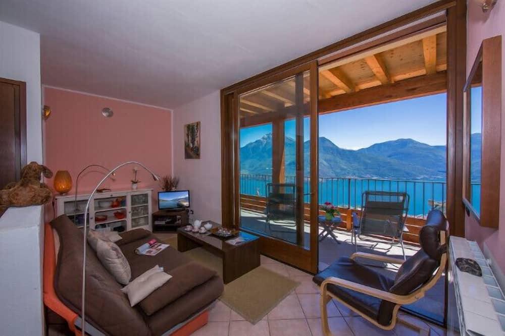 Family Apartment, Multiple Beds, 2 Bathrooms, Mountainside (Borgo La Sorgente - Tulipano) - Living Area