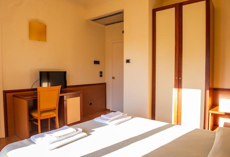 Settecolli Sport Hostel - Double Room 109, Filottrano, Lain-lain