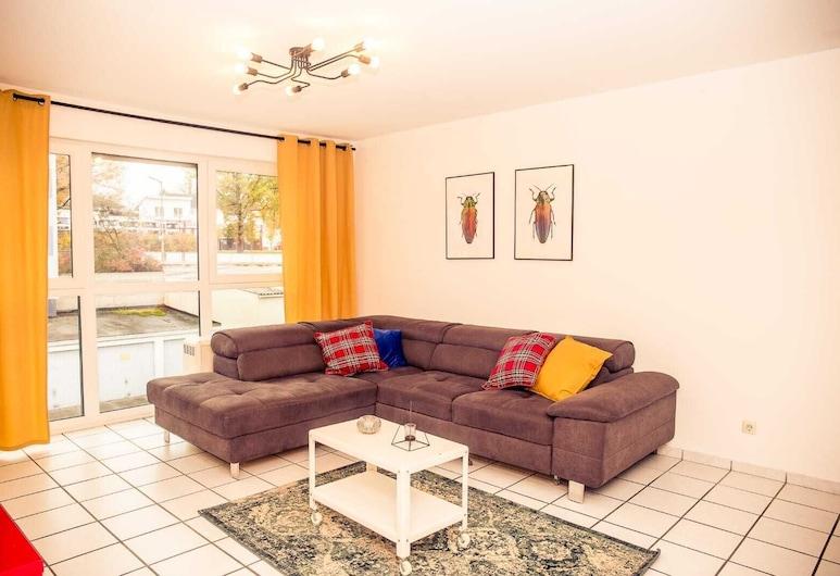 Lovely Apartment 2 Near Playmobil, Zirndorf, Salon