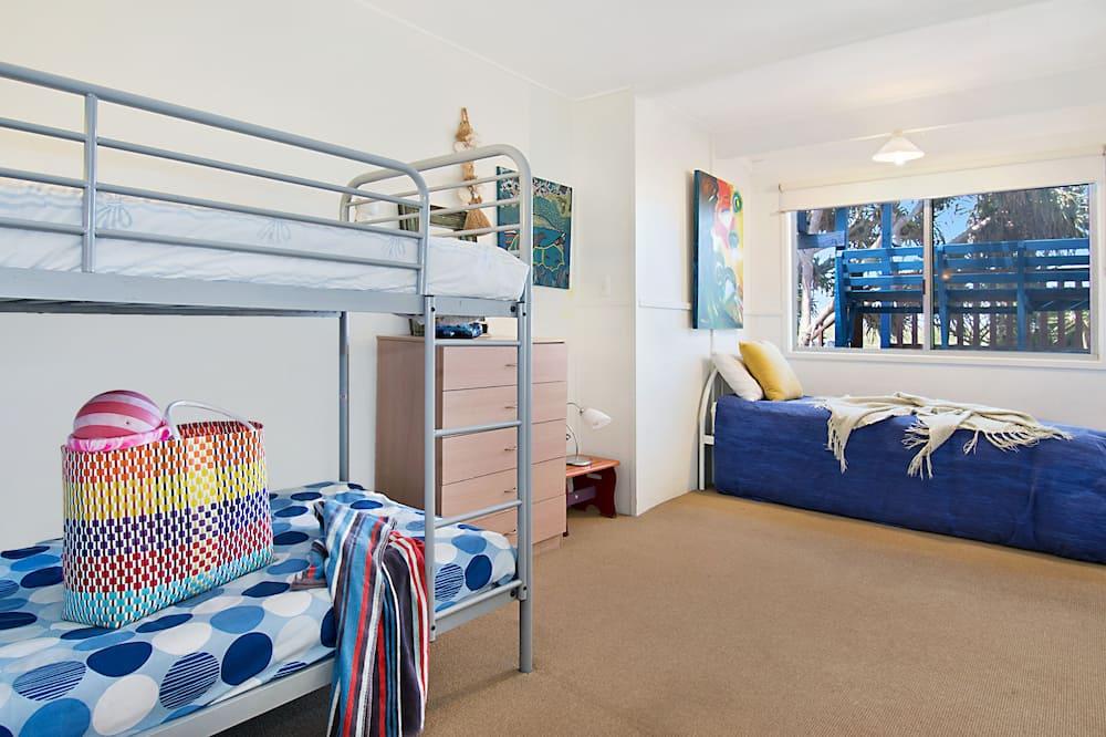 Hus – classic, 3 soverom, utsikt mot strand, ved strandkanten - Temarom for barn