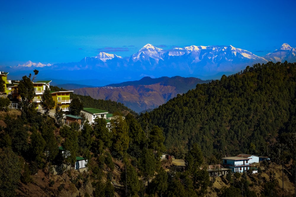 Himalayan View with Private Balcony - Vista a la montaña