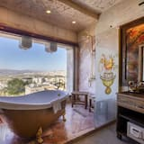 Executive Caves - Private spa tub
