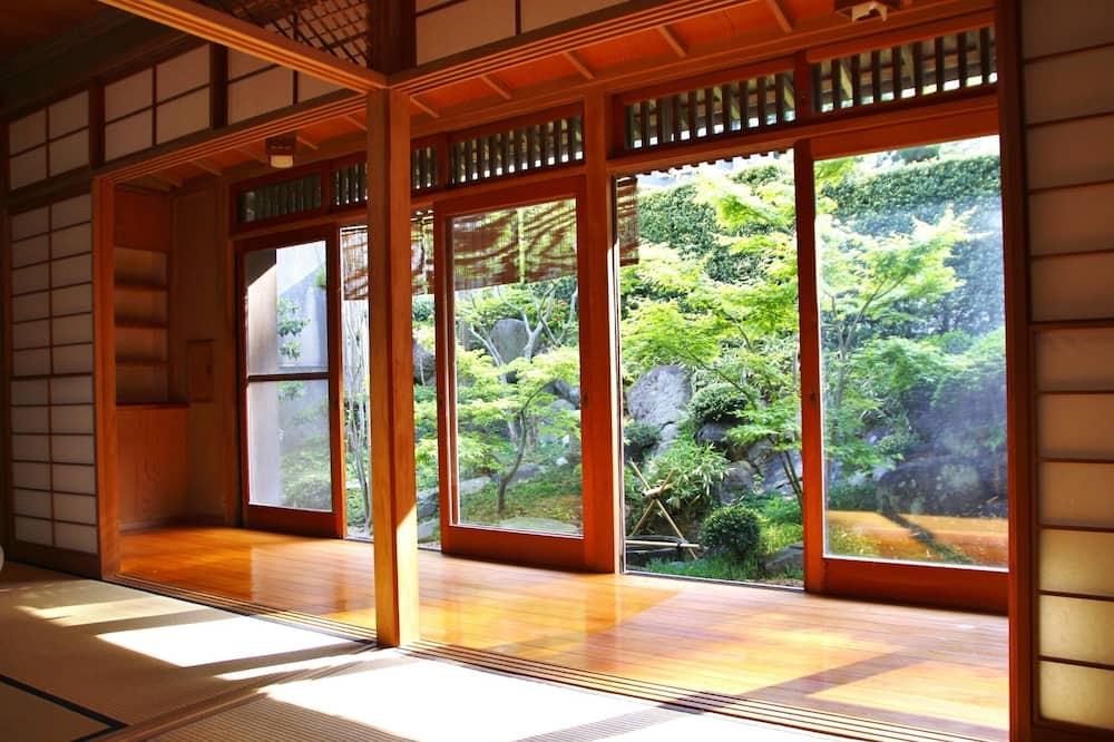 A Japanese garden where you can enjoy nature a sp - Wisteria flower kamakura / Kamakura Kanagawa
