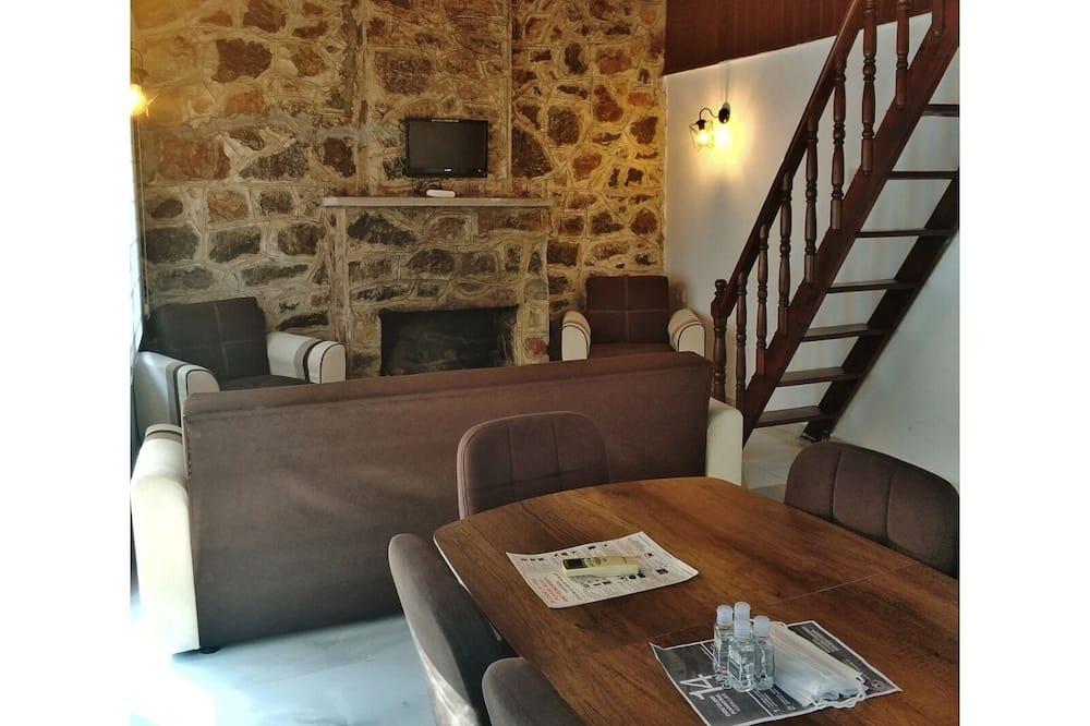 Bungalow (Arka Sıra) - Wohnzimmer