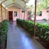 Basic Double or Twin Room - Courtyard View
