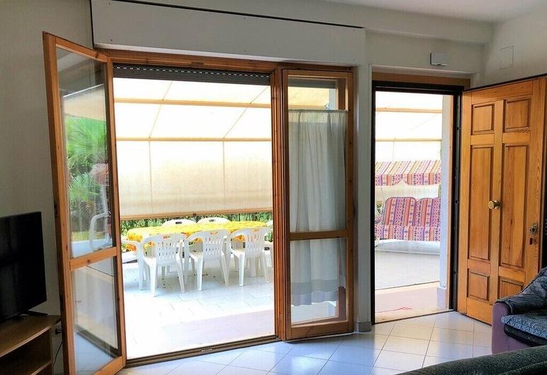 Quadrilocale Cefalonia con Ampio Giardino a Due Passi dal Mare, San Benedetto del Tronto, Apartment, 3 Bedrooms, Terrace/Patio