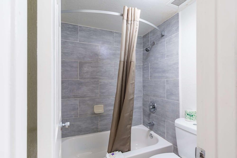 豪華客房, 2 張標準雙人床, 非吸煙房, 簡易廚房 - 浴室