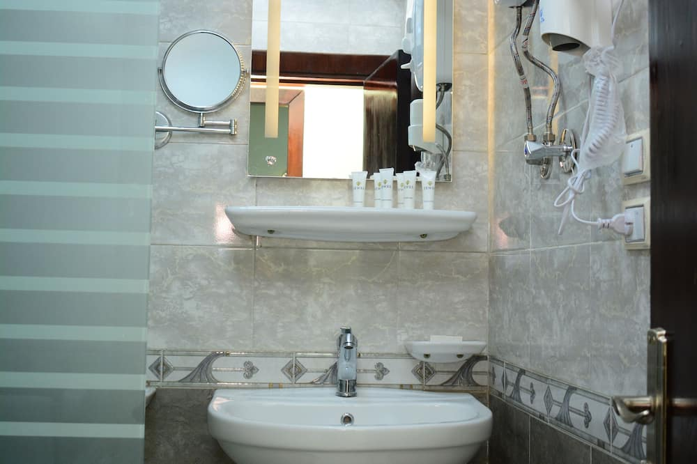 City Suite - Bathroom