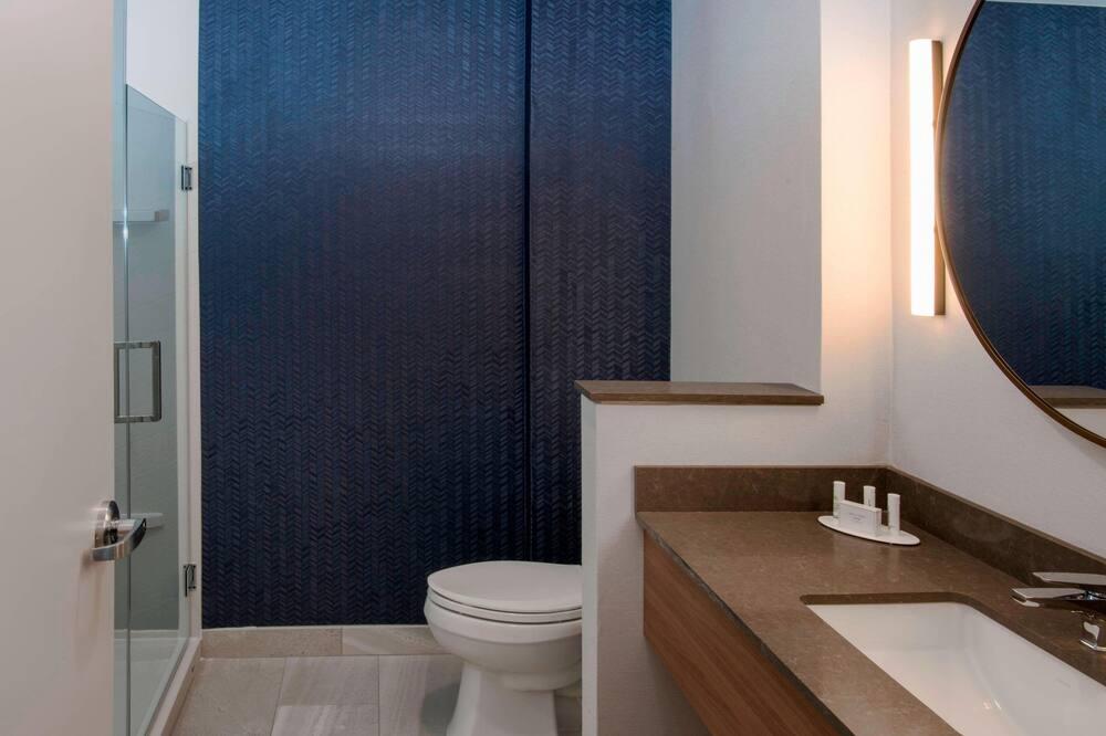 ห้องพัก, เตียงคิงไซส์ 1 เตียง - ห้องน้ำ
