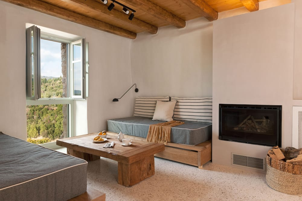 Ruga Suite with Mountain View & Fireplace - Sala de estar