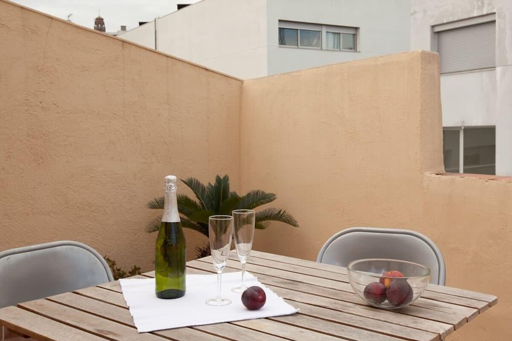 Апартаменти (2 Bedrooms) - Балкон