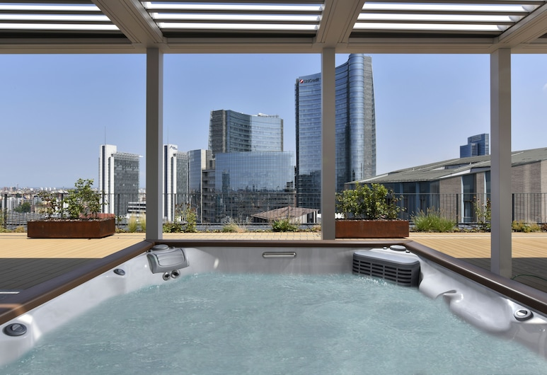 Milano Verticale | UNA Esperienze, Милан, Пентхаус, вид на город, Индивидуальная спа-ванна