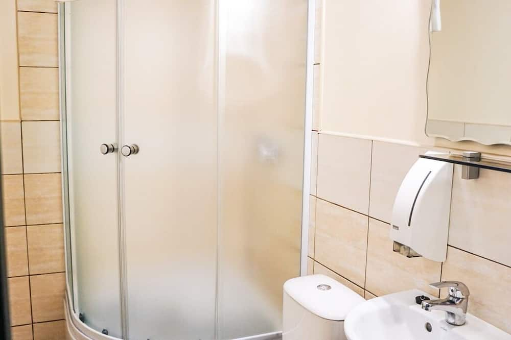 Triple Room (King) - Bathroom