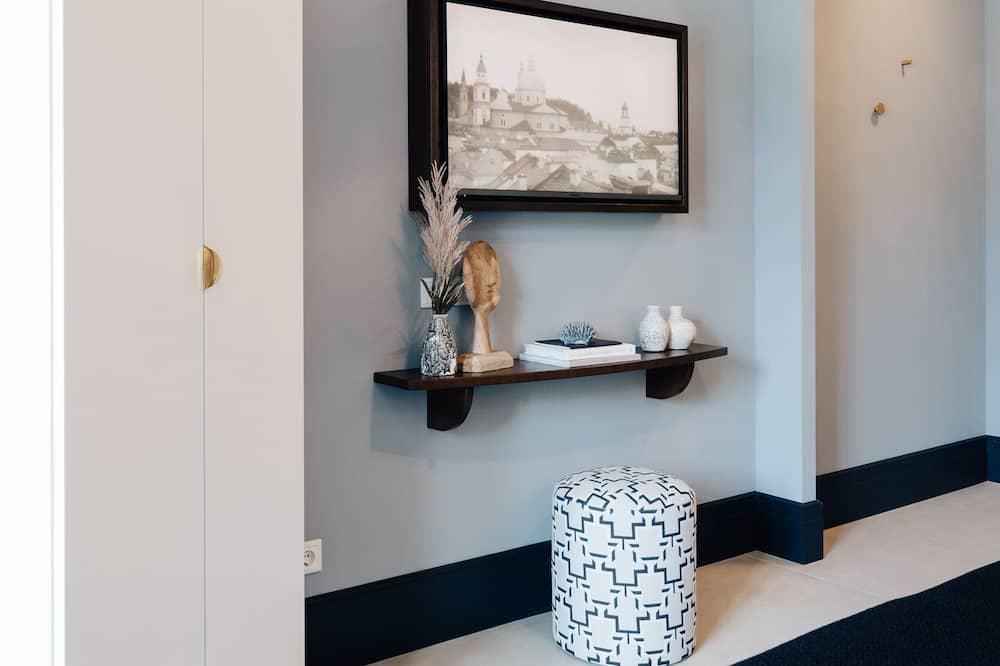 Deluxe Room - Living Area