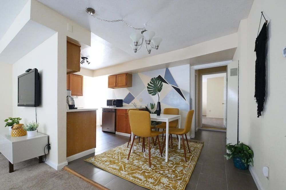 Kooperatīva tūristu mītne (Modern, exquisite 2-bedroom home in L) - Numurs
