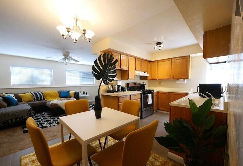 Modern, Exquisite 2-bedroom Home in Lafayette, Lafayette, Condo (Modern, exquisite 2-bedroom home in L), Private kitchen