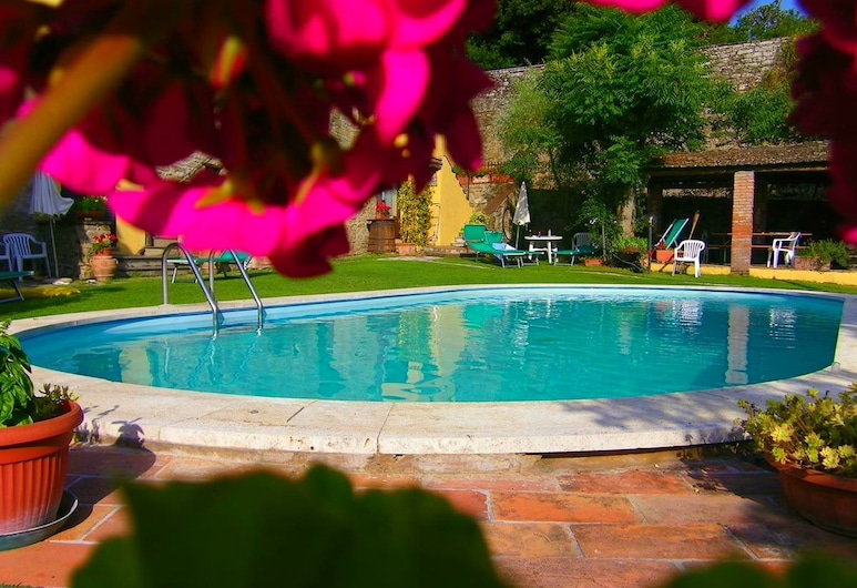 Glorious Holiday Home in Cortona With Swimming Pool, 科爾托納, 游泳池