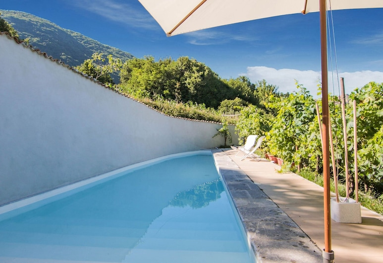 Classy Holiday Home in Mormanno With Private Pool, Mormanno, Piscina