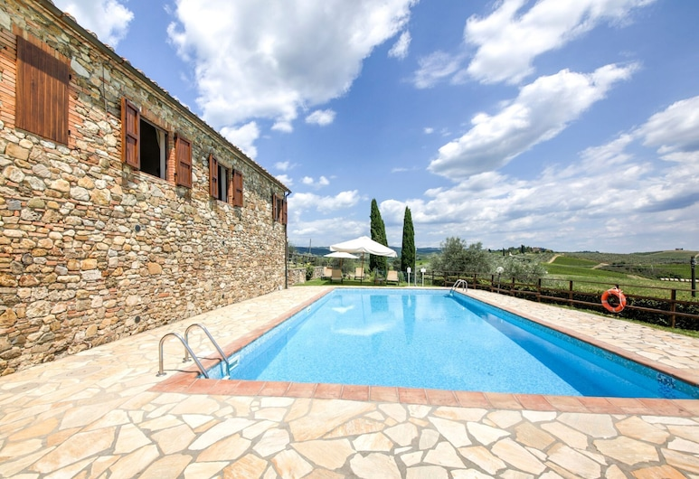Farmhouse With Swimming Pool, Surrounded by Chianti Vineyards and Hills, Poggibonsi, Basen
