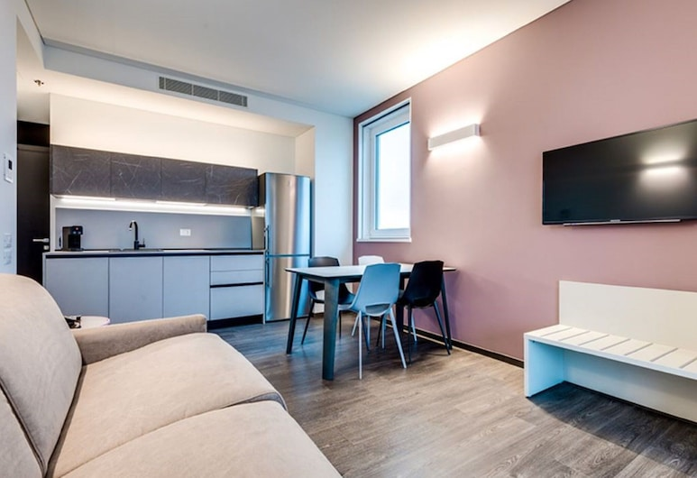 Fancy Apartment in Venice Near Campo Padre Soccer Club, Mestre, Living Room
