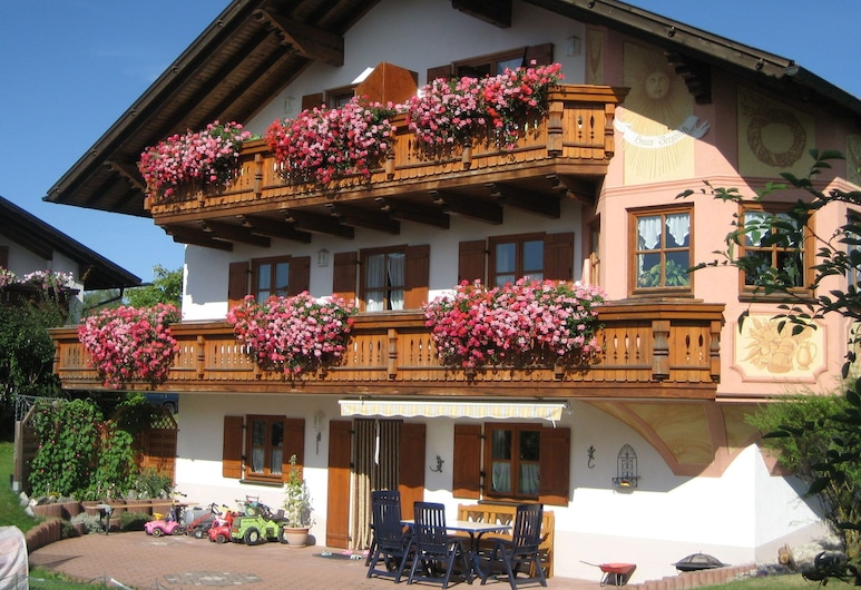 Appealing Apartment in Ingenried With Fenced Garden, 因根里德