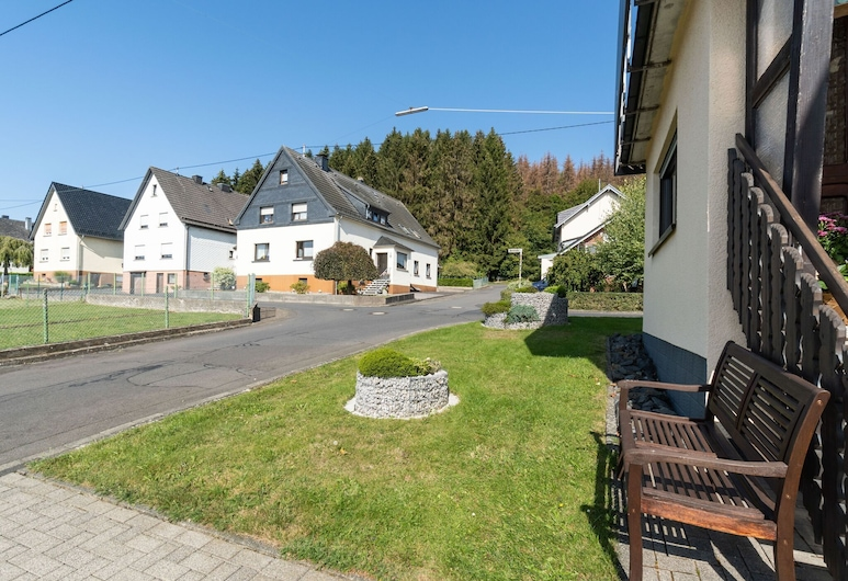 Alluring Apartment in Westerwald With Private Terrace, Hohn, Garden