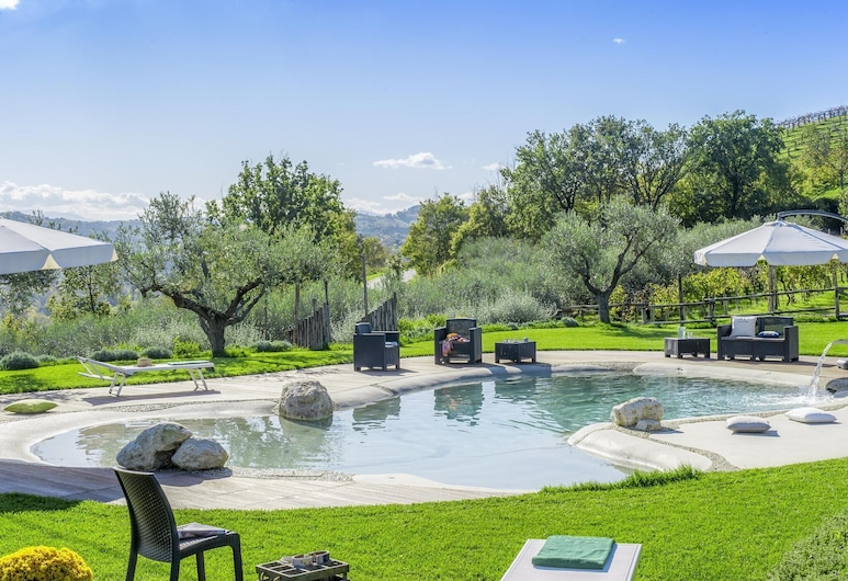 Ravishing Holiday Home in Fermo With Private Swimming Pool, Fermo, Pool