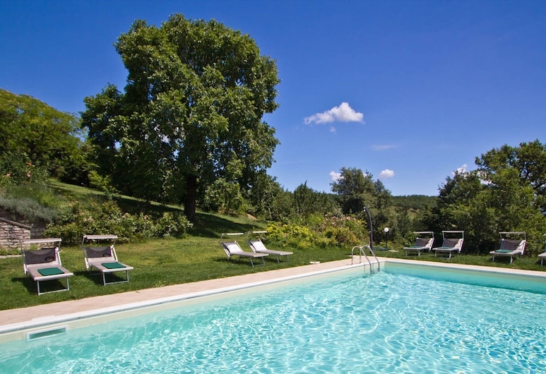 Peaceful Holiday Home in Acqualagna With Swimming Pool, Acqualagna, Uima-allas