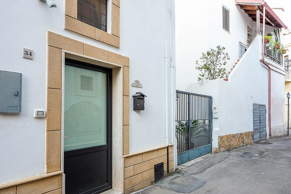 Plush Holiday Home in Galatone Near Porta San Sebastiano