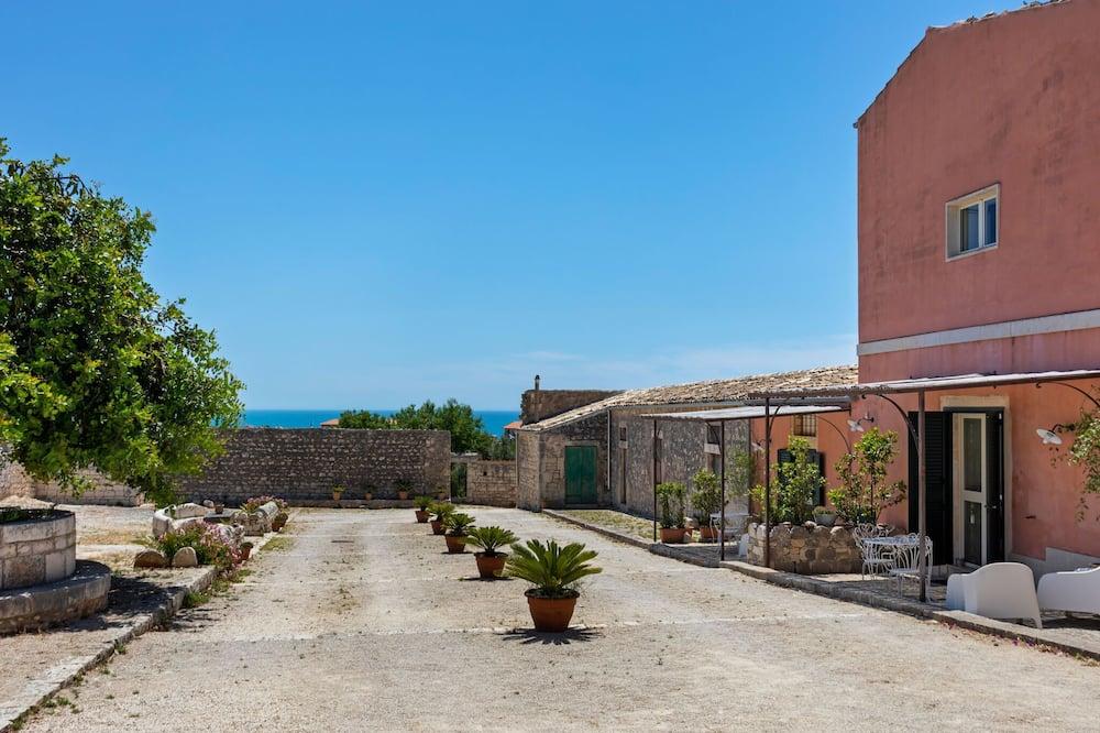 Tranquil Villa in Pozzallo Near Spiaggia Raganzino